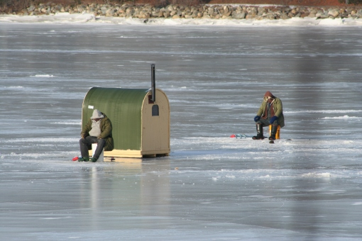 ice-fishing-3