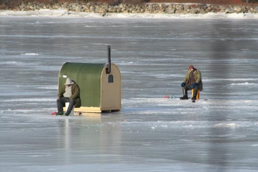 ice-fishing-3