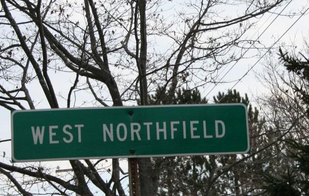 Par ordre alphabétique, des villes et des villages . - Page 38 West-northfield1