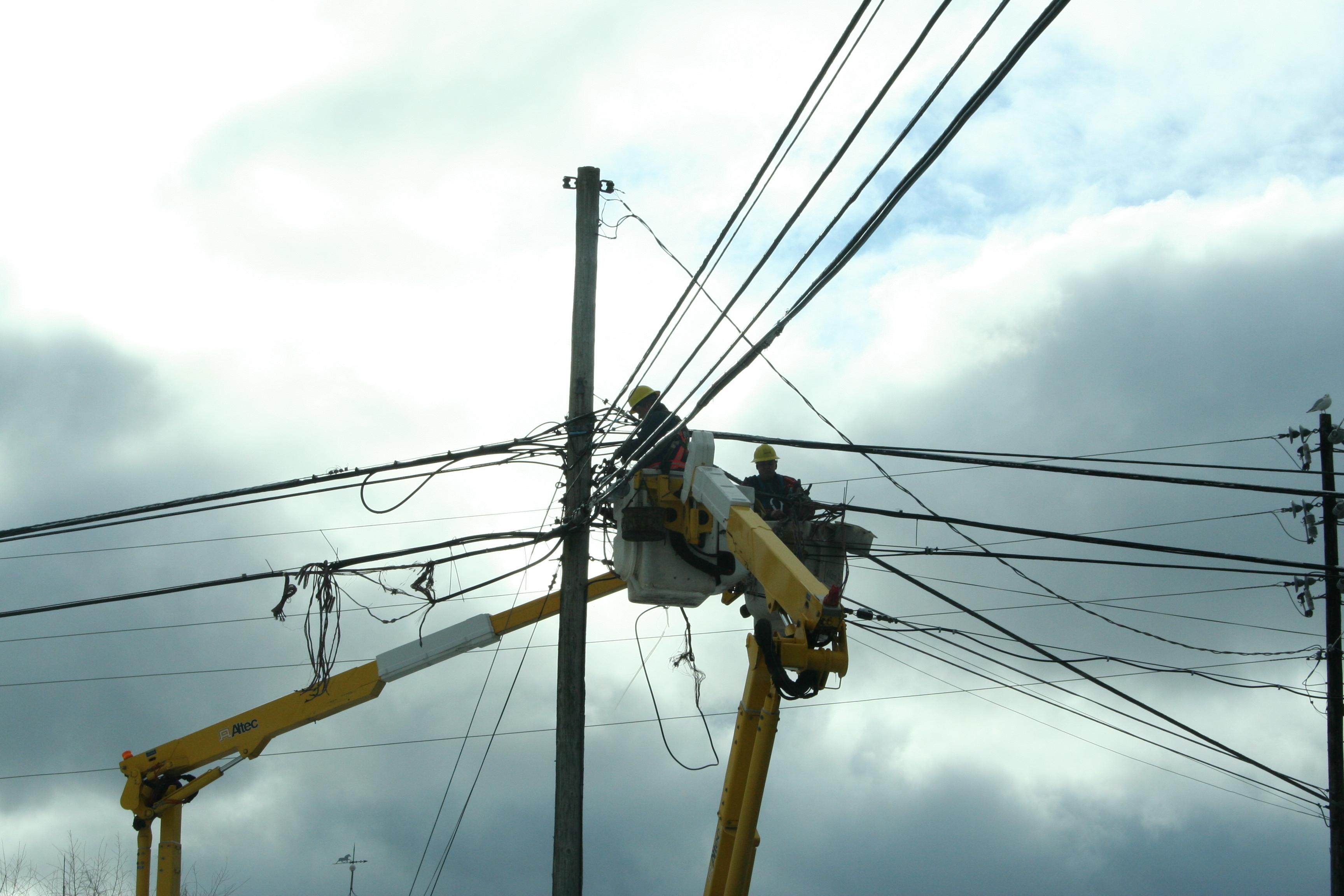 Nova Scotia Power Cables | Queens new life in Canada