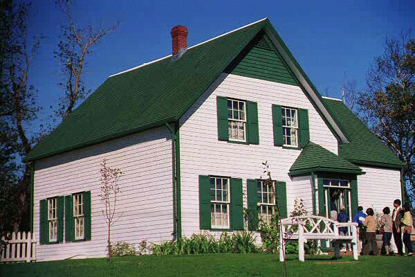 Anne of green gables queens new life in canada for Gables on a house